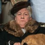 Margrethe Koytu som fru Fernando Møhge (foto: Henrik Petit).